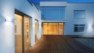 20875_Moodbild_L-710_LED_Terrasse